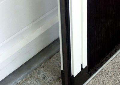 Plissee Falttür, Montage auf Pflaster